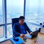 Ket:Foto//Pengacara Kondang Darmawan Yusuf, SH., SE., M.Pd.,MH., CTLA., Mediator ketika sedang di dikantornya Kota Jakarta.