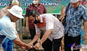 Pemerintah Kecamatan Sunggal Melakukan Bedah Rumah di Dusun 16 Desa Sei Semayang, Kecamatan Sunggal, Kabupaten Deliserdang, Sumatera Utara (Sumut), Jumat pagi (09/04/2021) sekira pukul 09.00 WIB.