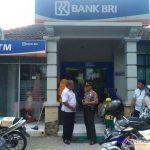 Foto : Melalui Bank BRI Pemerintah Salurkan Bantuan UMKM (Banpres PUM) Tahap Ke-3 Tahun 2021