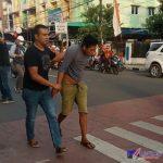 Foto : Pelaku diamankan Satreskim Polres Binjai saat berada di Kedai Kopi, Jalan Sultan Hasanuddin, Kecamatan Binjai Kota, Sumatera Utara, Jumat (25/06/2021).